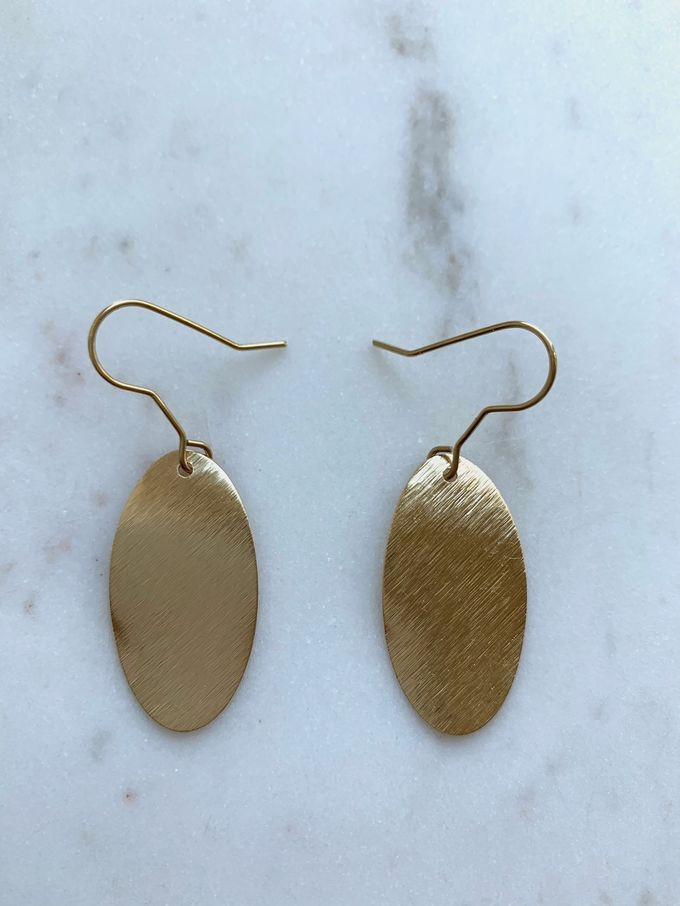 Brushed oval earrings