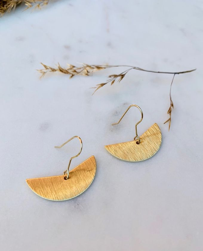 Float earrings